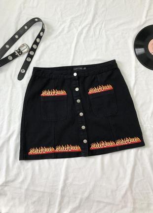 Джинсовая юбка с огнем на пуговицах/ огонь/пламя/  джинсова юбка з вогнем на гудзиках