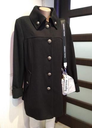 Шикарное базовое чёрное пальто с серебристыми пуговицами