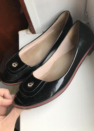 Балетки, туфли лакированные