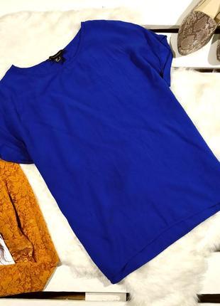 Синяя блузка футболка