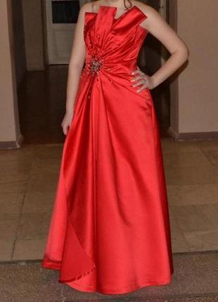 Выпускное или торжественное платье monly из салона