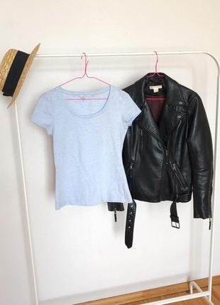 Стильная качественная голубая футболка c&a. р/р s