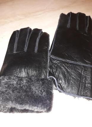 Женские перчатки из кожи и меха ягнёнка ugg