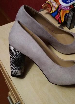 Шикарные туфли под замшу