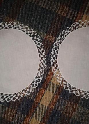Батистовая салфеточка с ажурной отделкой, d-18 см