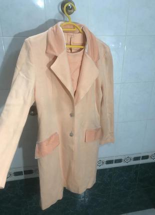 Персиковое платье и пальто женское весенние бархатное коралловый с воротником треч