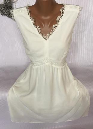 Шикарное  коротенькое белое платье
