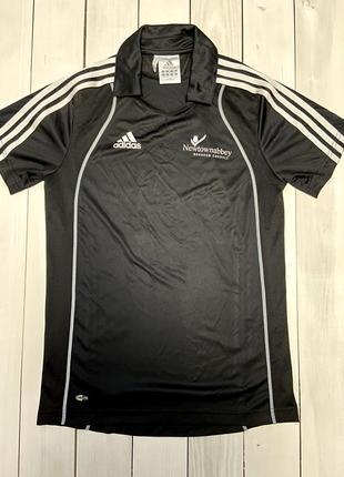Чорна футболка від adidas