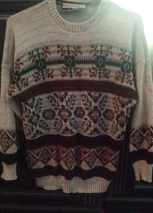 Теплый зимний свитер.