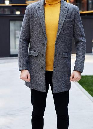 Шерстяной серый пиджак