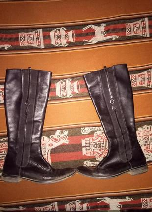 Кожаные сапоги на узкую ногу