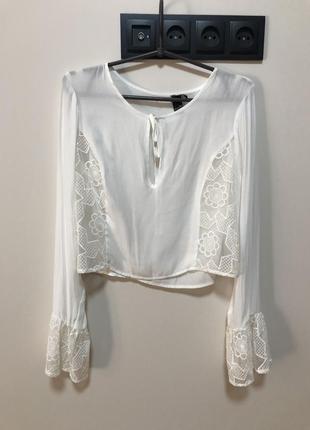 Белая блуза с кружевом шифоновая винтажная на завязках укороченная