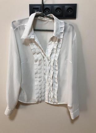Блуза шифоновая белая с рюшами воздушная