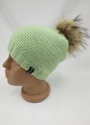 Демисезонная детская шапочка с большим помпоном из натурального меха, ручная работа