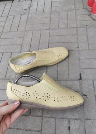 Кожаные перфорированные туфли фирмы cushion-walk , 39 размер