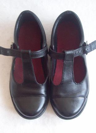 Туфли кожаные с резиновым носком