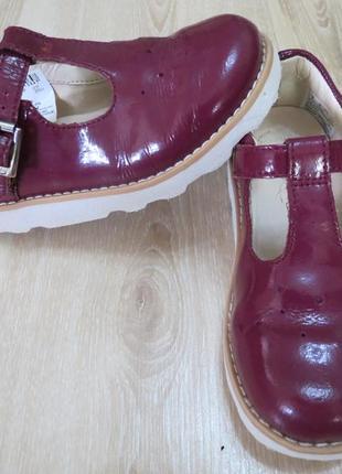 Кожаные лакированые туфли clarks crown jump 8f 25р