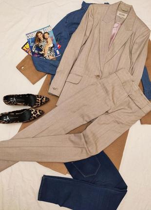 Костюм брючный бежевый розовый серый брюки и пиджак шерстяной классический next