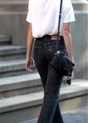 Суперові мом джинси від levi's необроблений низ