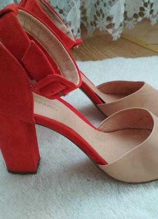Мега зручні шкіряні босоніжки,босоножки,туфли  39р cosmoparis франция