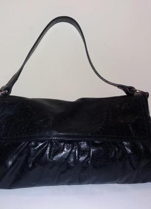 Кожаная фирменная сумка minelli