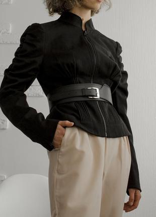 Женский пиджак с объемными рукавами