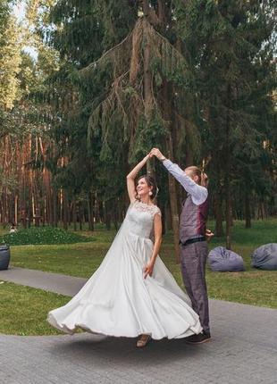 Весільна сукня (фата і кільця в подарунок)