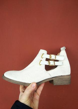 Ботинки 39 розмір