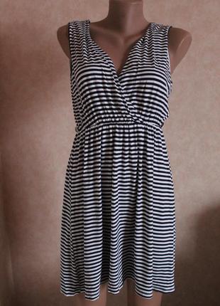 Платье с имитацией запаха , размер указан s