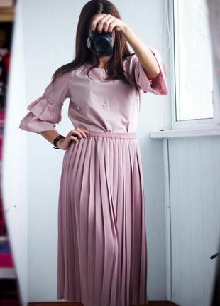 Розовая плиссированная юбка на резинке размер м,л