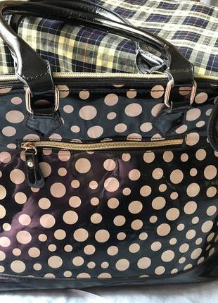 Елегантна сумка в горошок