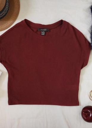 Бпзовая футболка топ в рубчик укороченный