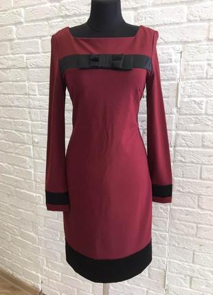 Сукня у діловому стилі зі вставками