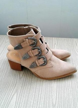 Ботинки казаки сапоги ботильоны челси броги кожа замша заклепвм