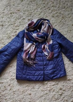 Курточка весенняя в комплекте с шарфиком!