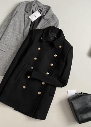 Идеальное шерстяное двубортное пальто zara