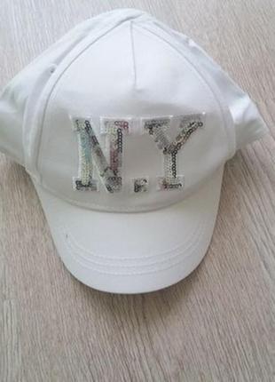 Белая кепка с паетками для девочки h&m . р.104 на 3-4 года