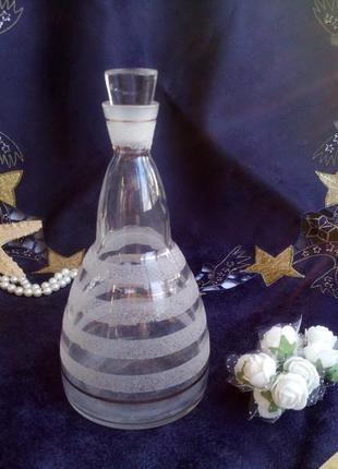 Графин (штоф) плотное стекло с напылением позолота чехословакия бутыль