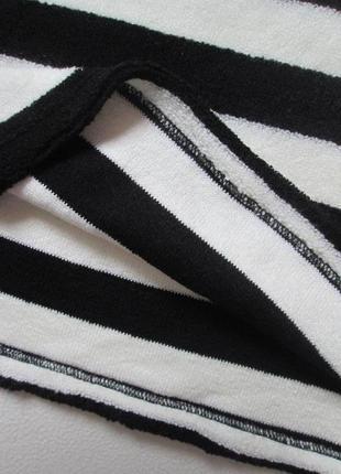 Крутой трендовый укороченный свитер кроп-свитшот оверсайз в широкую полоску only.6 фото