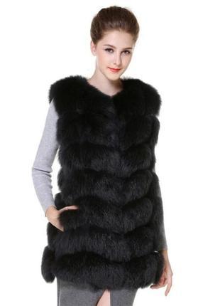 Черная меховая жилетка