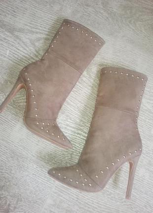Новые шикарные замшевые ботинки