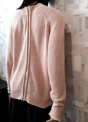Сильный пудровый свитер с молнией на спине от h&m4 фото
