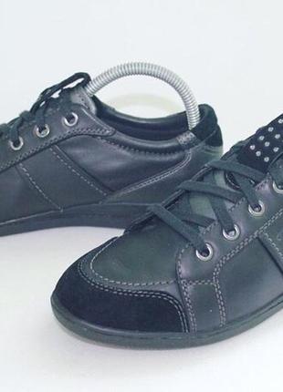 Дуже круті шкіряні кросівки/кеди від geox!