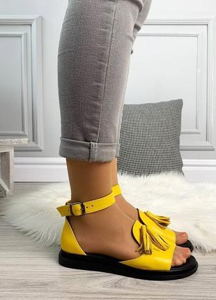 Новые женские кожаные желтые  босоножки