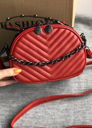 Новая красная сумка кроссбоди