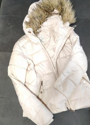 Куртка пуховик молочно белого цвета