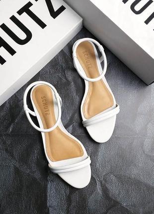 Schutz оригинал изящные белые кожаные сандалии
