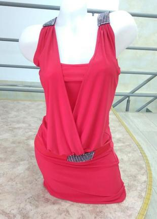 Шикарное нарядное интересное яркое красное платье