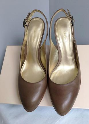 Туфли лодочки кожаные, цвет тауп, из натуральной кожи, качественные.