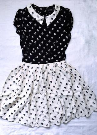 Легенька сукня в квітковий принт